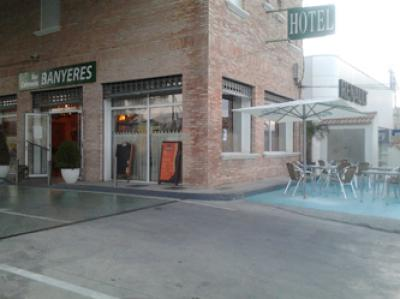 BAR CAFETERIA BANYERES 01
